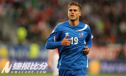 在冰岛的足球历史上,他们还从未参加过世界杯和欧洲